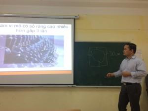 GS.TS. Trần Hoài Nam giảng dạy Cao học ở Việt Nam